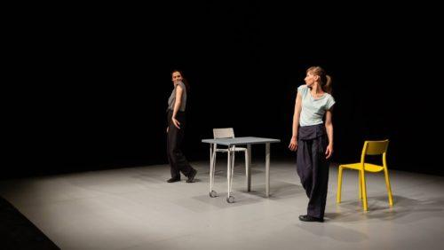 Femeie. C.L.A.R. Sat. Teatru